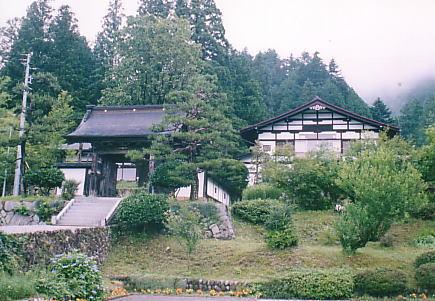 最寄り駅 :JR高山線飛騨国府駅
